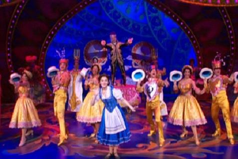 Teater musikal ala Broadway, Beauty and The Beast. -  www.beautyandthebeastontour. com