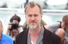 Aturan yang Aneh, Sutradara Christopher Nolan Larang Ada Kursi di Lokasi Syuting