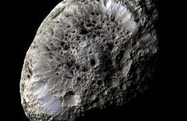 Mengenal Hyperion, Bulan Yang Mirip Batu Karang