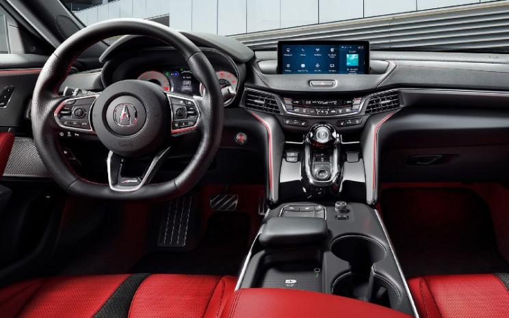 "Acura TLX menargetkan 5 bintang dalam uji keselamatan. Mencapai nilai ""Good"" dalam seluruh uji tabrak dan ""Superior"" khusus untuk uji tabrak depan melalui ajang New Car Assessment Program (NCAP) yang digelar oleh Badan Keselamatan Lalu Lintas Amerika Serikat.  - Acura"