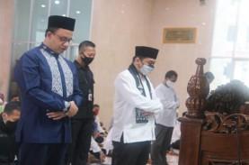 Didampingi JK, Gubernur Anies Resmikan Masjid Amir…