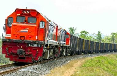 INFRASTRUKTUR KALIMANTAN TIMUR : Tak Lelah Mengejar Kereta Api