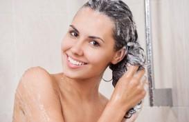 Tidur Dengan Rambut Basah Habis Keramas Bikin Pilek?