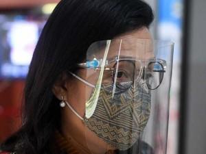 Menkeu Sri Mulyani Gunakan Face Shield saat Hadir Raker Dengan DPR