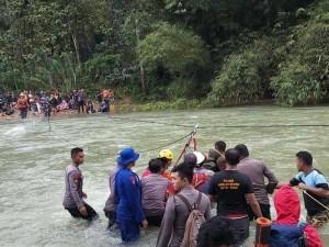 Tim Sar Evakuasi 33 Pendaki Gunung Yang Tersesat di Sulawesi Tenggara