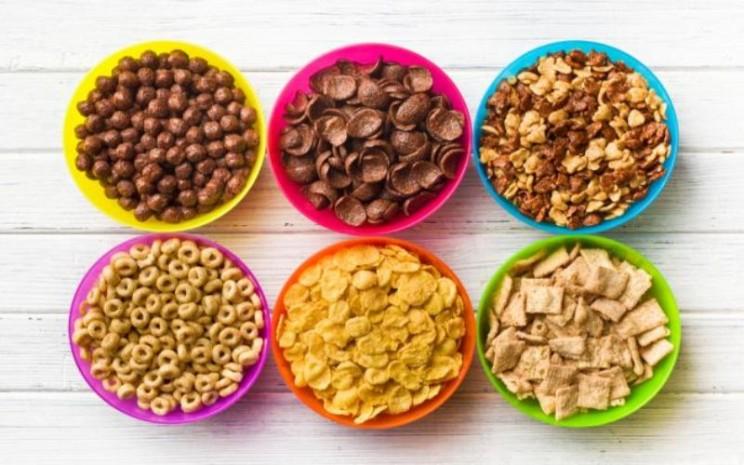Sereal sering sekali dijual dan dilabeli sebagai makanan sehat, tetapi serela merupakan makanan instan. - Medical Daily