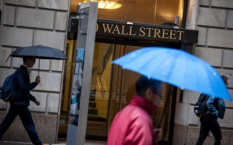 Pergerakan tiga indeks saham utama di bursa Wall Street Amerika Serikat kompak berakhir di zona merah pada perdagangan Selasa (7/7/2020) - Bloomberg