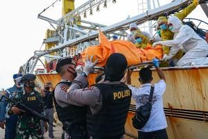 Kapal Ikan Berbendera China Ditangkap Karena Siksa ABK Indonesia Hingga Tewas