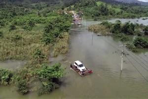 Jalan Trans Sulawesi Terputus Akibar Banjir