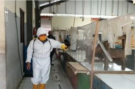 Pasar Tradisional di Tangerang Disemprot Disinfektan