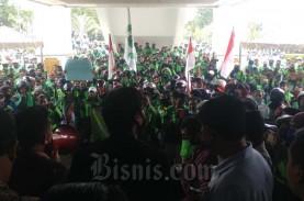 Pengemudi Gojek Batam Berdemo Tuntut Penurunan Tarif…