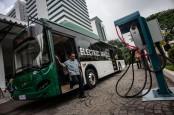 Anies Targetkan Transjakarta Operasikan 100 Bus Listrik Akhir 2020