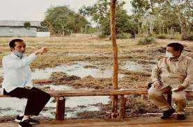 Prabowo Unggah Foto Sebangku Berdua dengan Jokowi…