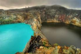 Danau Tiga Warna Kelimutu Dibuka lagi, Dibatasi 200…