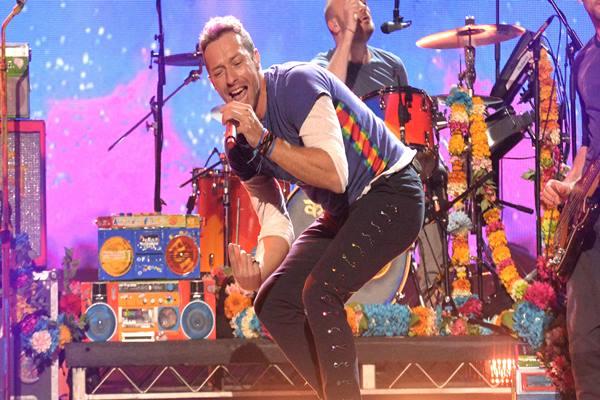 Coldplay di salah satu pertunjukkan panggung - Istimewa