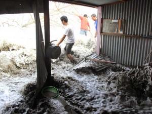 Banjir Rob di Aceh Robohkan 42 Rumah Warga