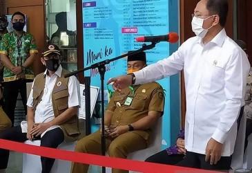 Covid-19 Mengganas di Jatim, Menkes Ngantor di Surabaya