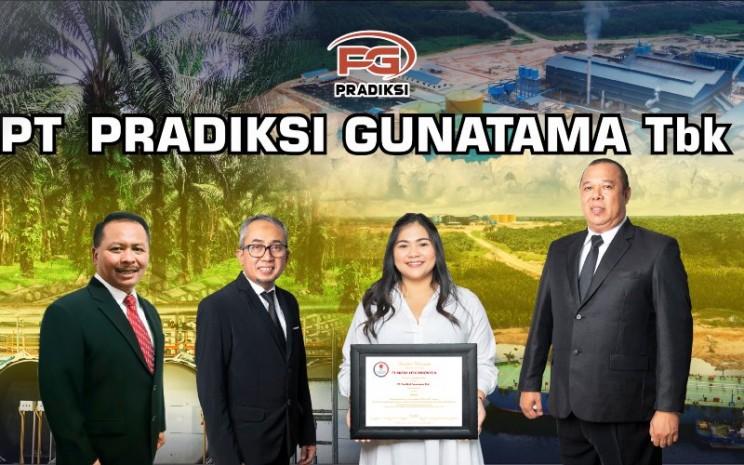 Dewan Direksi dan Dewan Komisaris PT Pradiksi Gunatama Tbk. - PGUN