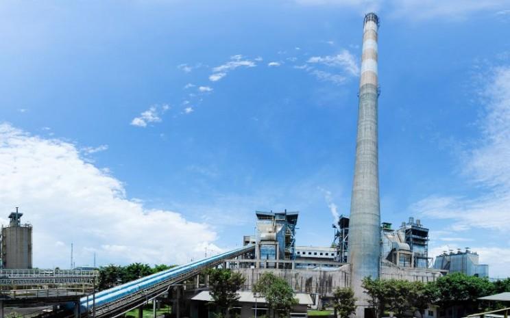 Suasana operasional PT Pabrik Kertas Tjiwi Kimia Tbk. di Sidoarjo. Pabrik ini mulai beropersi pada 1978 dengan kapasitas tahunan 12.000 metrik ton. - tjiwi.co.id