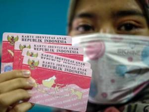 Disdukcapil Bogor Cetak Kartu Identitas Anak Secara Daring