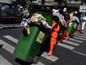 Aktivis Lingkungan di Surabaya Serukan Larangan Pemakaian Plastik Sekali Pakai