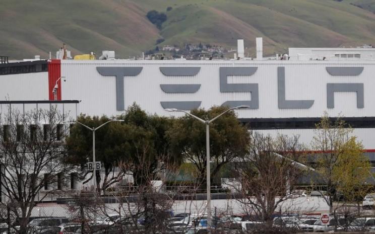 Fasilitas produksi Tesla Inc di Amerika Serikat. Saat ini, Tesla hanya memiliki pabrik manufaktur kendaraan tunggal di California dan mengatakan ingin mulai membangun pabrik kedua besar di barat daya Amerika Serikat pada kuartal ketiga tahun ini. / REUTERS