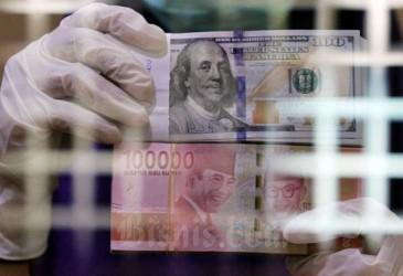 Rupiah Terlemah di Asia Meski Laporan Neraca Perdagangan Surplus