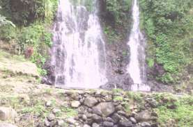 Intip Keunikan Air Terjun Kembar di Banyuwangi