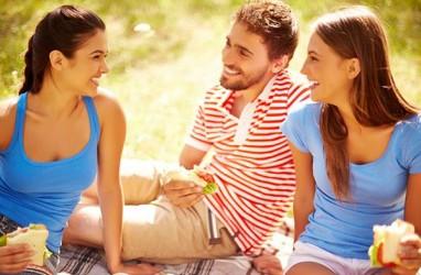 Tidak Suka Dengan Teman Pacarmu, Atasi Pakai 7 Cara Ini