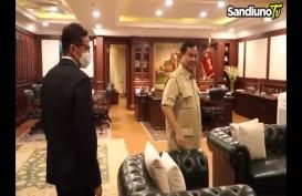 Reuni Tanpa Salaman Sandiaga Uno dan Prabowo Subianto