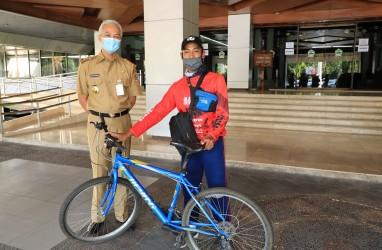 Buktikan Ayahnya Mirip Ganjar Pranowo, Pelajar Purwokerto ini Gowes Sepeda ke Semarang