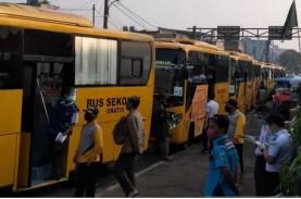 87 Bus Bantuan Urai Calon Penumpang KRL dari Arah…