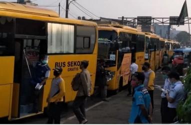 87 Bus Bantuan Urai Calon Penumpang KRL dari Arah Bogor