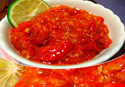Sambal sering dijadikan pelengkap makanan. Namun, makanan tidak akan lezat dan nikmat tanpa sambal. - ilustras