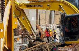 Tembok Pembatas Roboh, 4 Pekerja Proyek Hotel Awann Sewu Meninggal