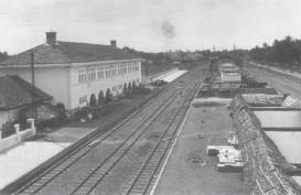 Tapak Tilas Stasiun Pasar Senen, Era Kolonial hingga Milenial