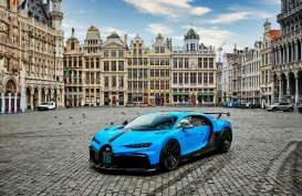 Bugatti Chiron Pur Sport Mejeng di Pusat Kota Eropa