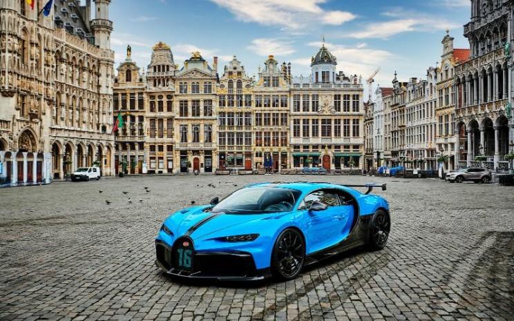 Bugatti Chiron Pur Sport di Brussel, jantung kota Eropa.  - Bugatti