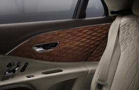 Bentley Flying Spur, Sedan Mewah Pertama Berpanel Kayu 3D