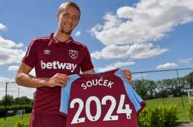 West Ham United Permanenkan Pemain Tengah Tomas Soucek