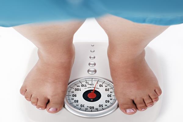 Menimbang berat badan - Istimewa