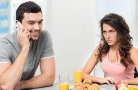 5 Tanda Pasangan Anda Control Freak