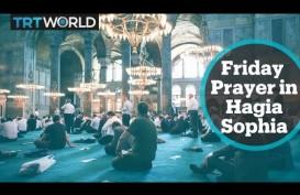 Salat Jumat Perdana di Hagia Sophia Dibanjiri Ribuan Muslim Turki, Termasuk Presiden Erdogan