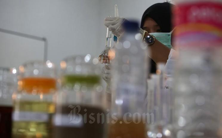 Aktivitas di salah satu Laboratorium yang ada di Kalimantan Tengah, Rabu (11/5). Bisnis - Nurul Hidayat
