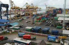 Jangan Terlena Surplus Neraca Pedagangan, Risiko Masih…