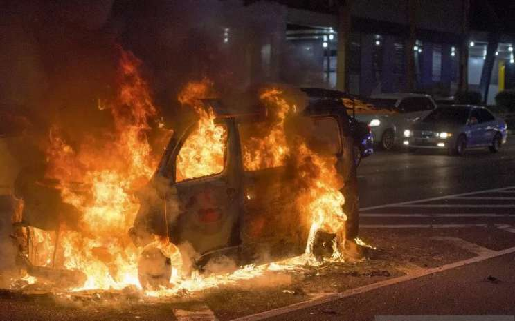 Ilustrasi Mobil Terbakar. ANTARA