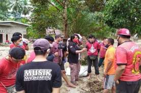 Pendukung PSM Makassar The Macz Man Beri Bantuan Rp100…