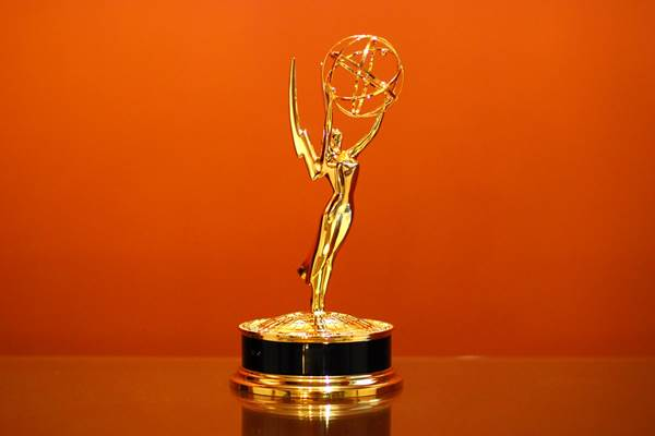 Piala Emmy Awards - Istimewa