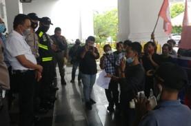 Mahasiswa Batam Tuntut Anggota DPRD Pemain Limbah…