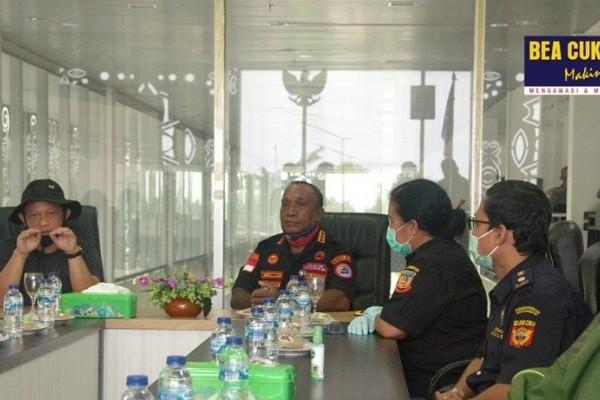 Menteri Dalam Negeri Republik Indonesia Adakan Kunjungan ke PLBN Skouw